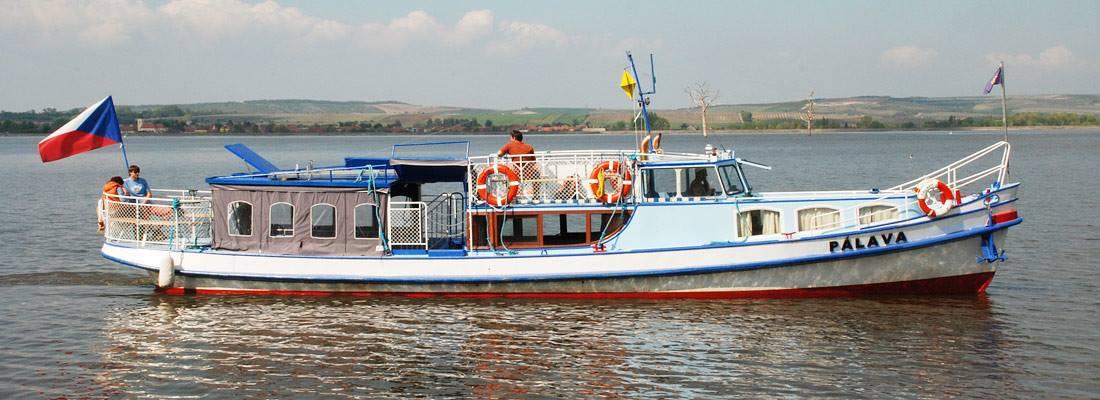 Nová loď na Vltavské cestě